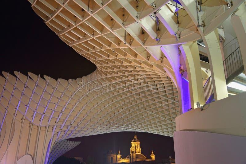 Metropol-Sonnenschirm in Plaza de la Encarnacion, die größte hölzerne Struktur in Europa lizenzfreie stockbilder