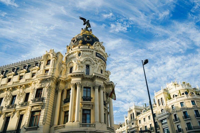 Metropolis, Madrids mest representativa byggnad royaltyfria bilder