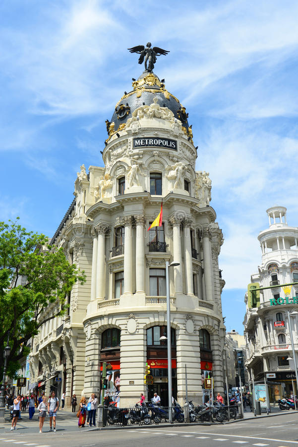 Metropolisbyggnad, Madrid, Spanien arkivfoton