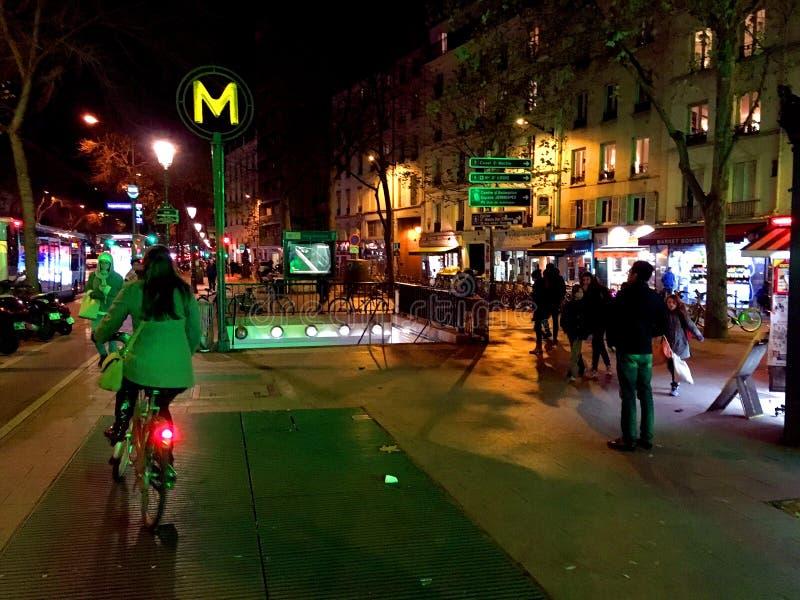 Metropolita stacyjny Paryż fotografia royalty free