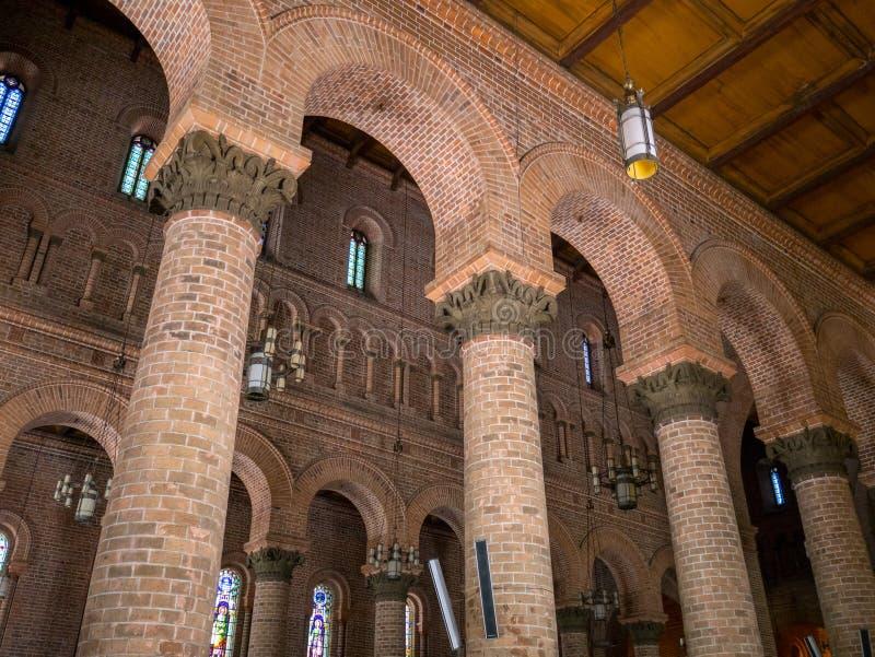 Metropolitaanse Kathedraal van Medellin Colombia, Basiliek van de Onbevlekte Ontvangenis De katholieke kathedraal gewijd aan Virg royalty-vrije stock foto