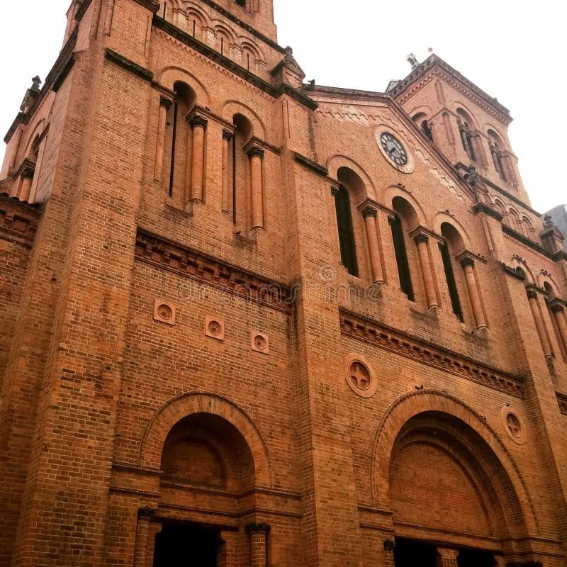 Metropolitaanse Kathedraal van Medellin, Colombia, basiliek van Romaanse Heropleving royalty-vrije stock fotografie