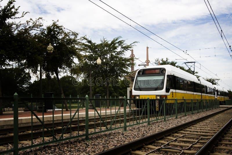Metropolitana locale che va dalla stazione fotografia stock libera da diritti