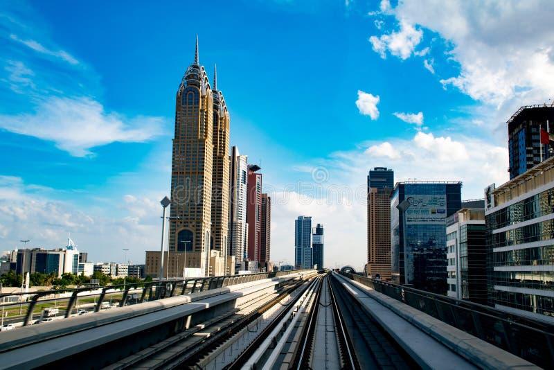 Metropolitana moderna nel Dubai immagine stock libera da diritti
