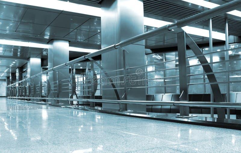 Metrostationinnenraum stockfotografie