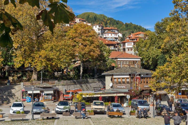 METSOVO, EPIRUS, GRIEKENLAND - OKTOBER 19 2013: Panorama van dorp van Metsovo dichtbij stad van Ioannina, Griekenland royalty-vrije stock afbeelding
