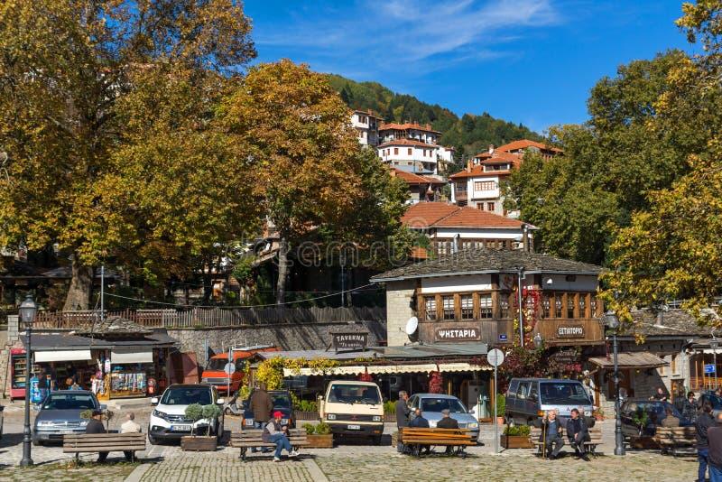 METSOVO, EPIRUS, GRIEKENLAND - OKTOBER 19 2013: Panorama van dorp van Metsovo dichtbij stad van Ioannina, Griekenland stock fotografie