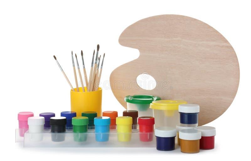 Metta degli strumenti della pittura per i bambini fotografia stock libera da diritti