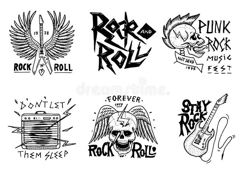 Metta dei simboli musicali di rock-and-roll con la chitarra, le ali ed il cranio etichette, logos Modelli di metalli pesanti per  royalty illustrazione gratis