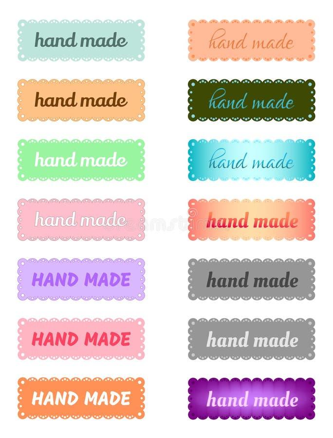 Metta delle etichette o del logos colorate con l'iscrizione ?fatta a mano ?per il mestiere creativo dell'ago ed i prodotti a casa illustrazione vettoriale