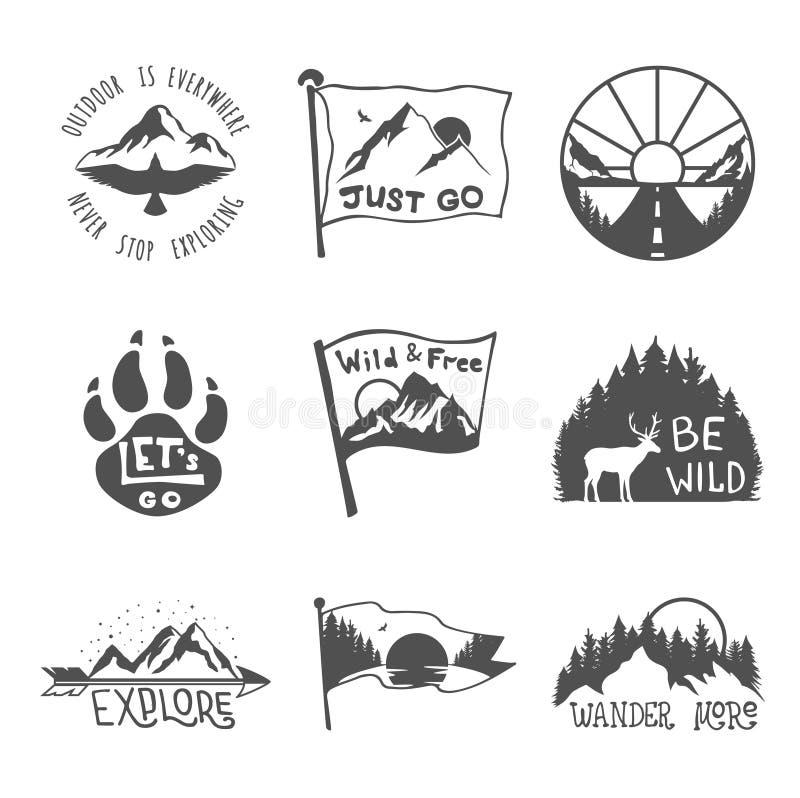 Metta di nove emblemi neri di viaggio Emblemi di avventura, distintivi e toppe all'aperto di campeggio di logo Turismo della mont illustrazione vettoriale