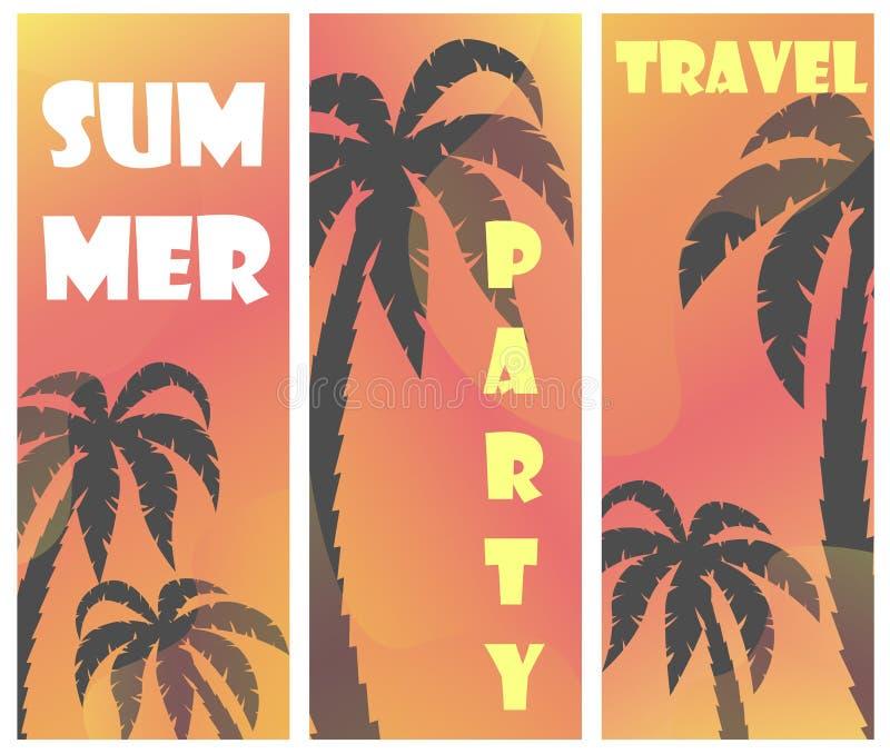 Metta di tre manifesti dell'estate di vettore con le siluette della palma ed il fondo di pendenza royalty illustrazione gratis
