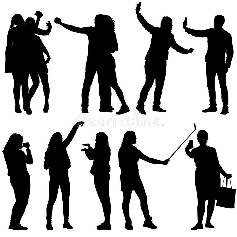 Metta le siluette uomo e donna che prendono il selfie con lo smartphone su fondo bianco Illustrazione di vettore royalty illustrazione gratis