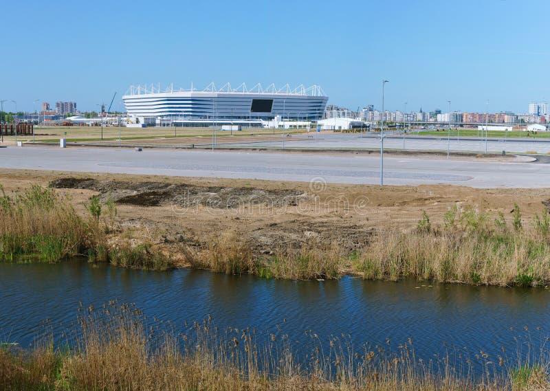 Mette in mostra il complesso, l'impianto sportivo, stadio di football americano in primavera fotografie stock