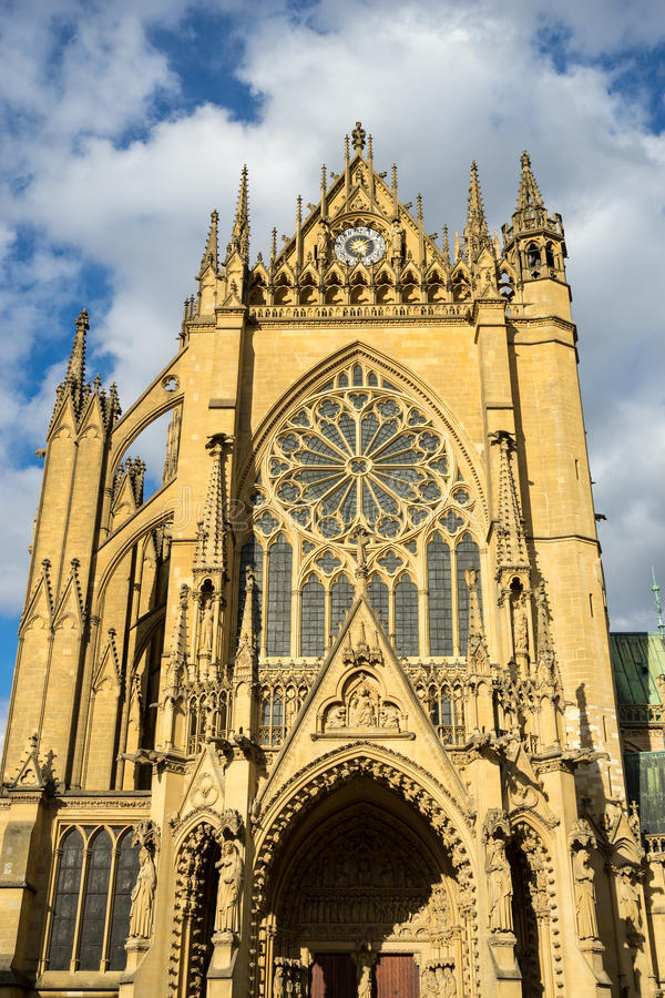 METZ, FRANCE/ EUROPE - SEPTEMBER 24: Vew of Cathedral of Saint-Etienne Metz Lorraine Moselle France on September 24, 2015 royalty free stock photography