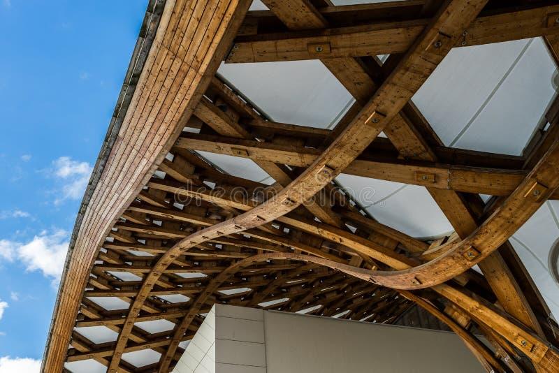 METZ FRANKRIKE EUROPA - SEPTEMBER 24: Sikt av den Pompidou mitten arkivbilder