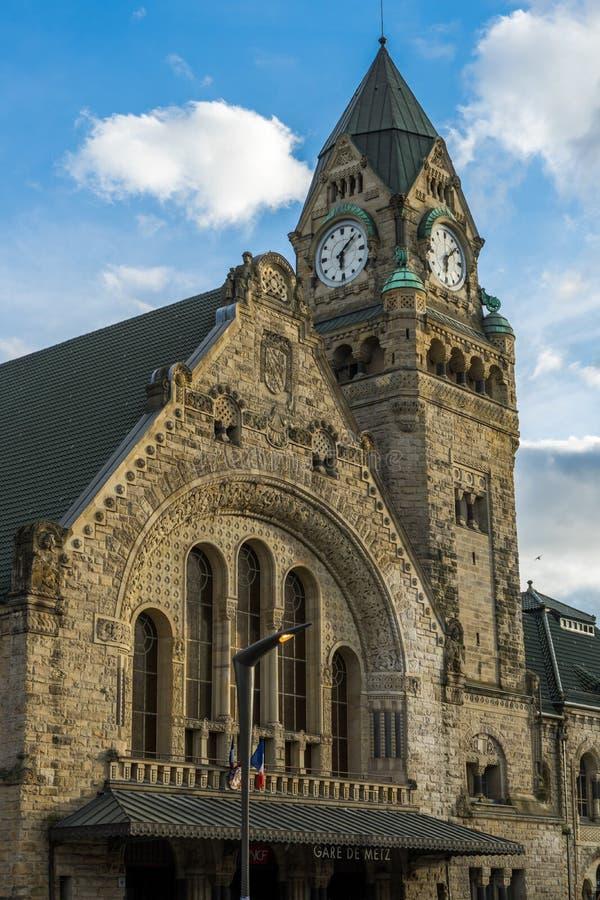 METZ FRANKRIKE EUROPA - SEPTEMBER 24: Sikt av stationen i Metz royaltyfri fotografi