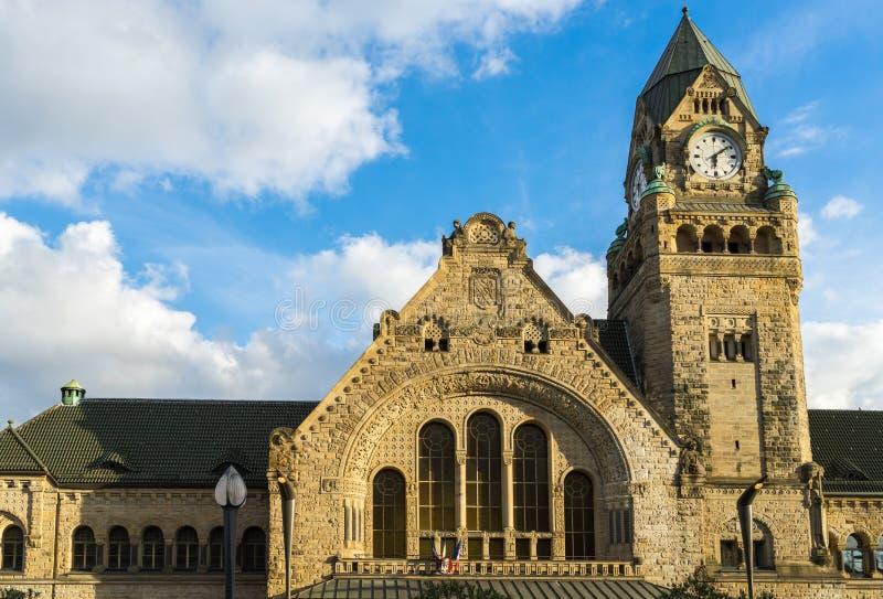 METZ FRANKRIKE EUROPA - SEPTEMBER 24: Sikt av stationen i Metz arkivfoton