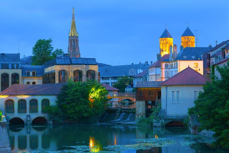 Metz przy lato nocą obrazy stock
