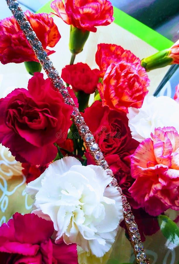 Meu mother& x27 dos prettys; diamantes das flores do dia de s imagem de stock royalty free