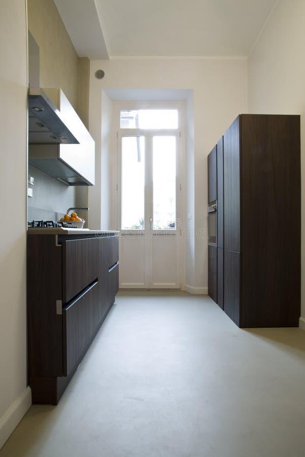 Meubilair in een moderne keuken royalty-vrije stock afbeeldingen