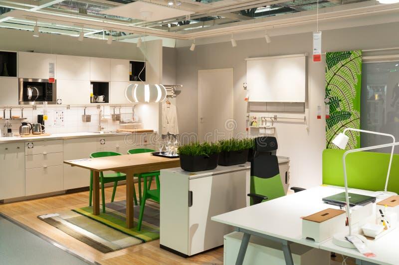 Meubilair en huishoudenopslag Ikea stock foto