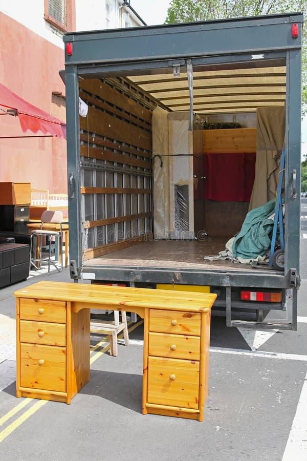 Meubilairvrachtwagen royalty-vrije stock afbeeldingen