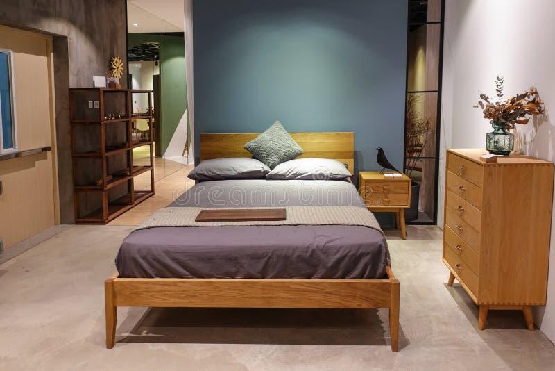 Meubles de chambre à coucher dans la place photo stock