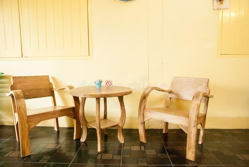 Meubles en bois de métier : ensemble de salon photos libres de droits
