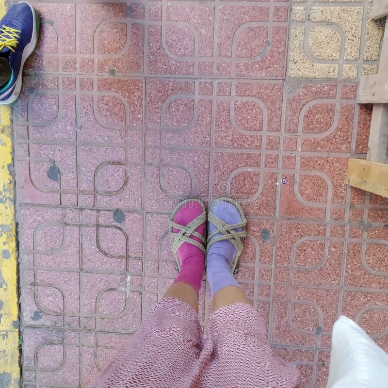 meus pés coloridos foto de stock