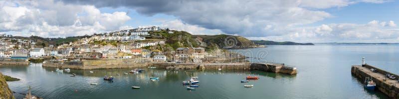 Mevagissey schronienie panoramiczny, w w połowie Kwietniu, Cornwall obrazy stock