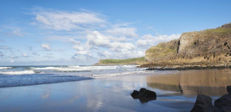 Mewsladestrand in Gower Peninsula, Zuid-Wales stock afbeelding