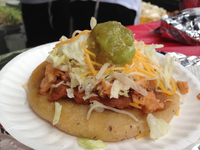 Mexicaans voedsel sope stock foto