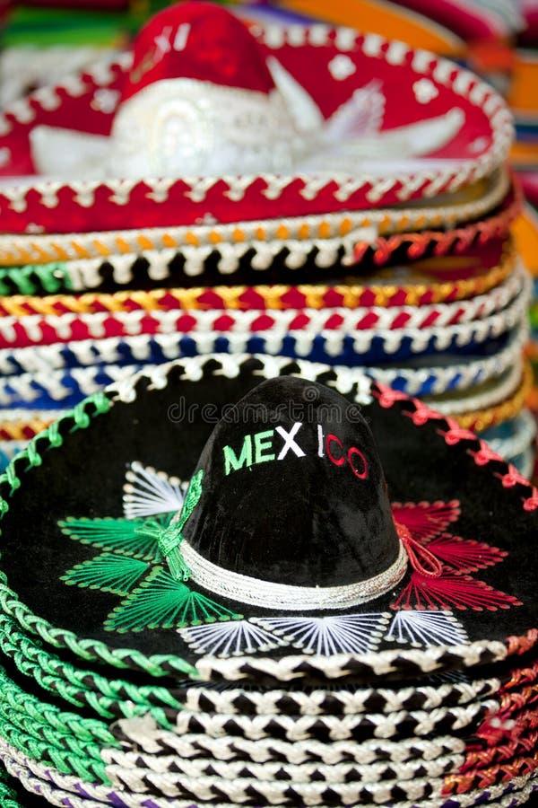 Mexicaanse sombrero's voor verkoop in Cabo San Lucas stock foto's