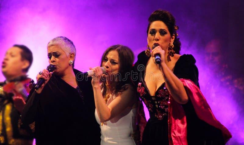 Mexicaanse vrouwelijke zangers Eugenia Leon, Paty Cantu en Regina Orozco stock foto's