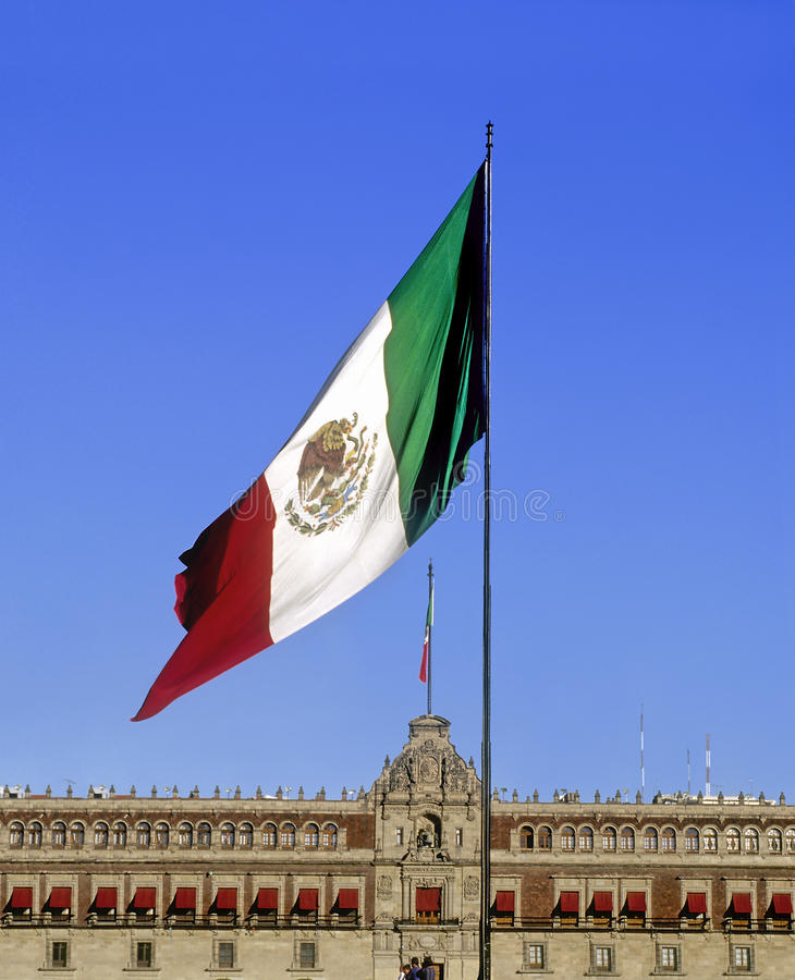 Download Mexican Flag And National Palace Stock Image - Image: 28663541