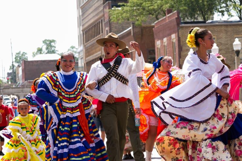 Mexicanen kleedden zich typisch stock afbeelding
