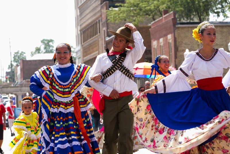 Mexicanen kleedden zich typisch stock fotografie