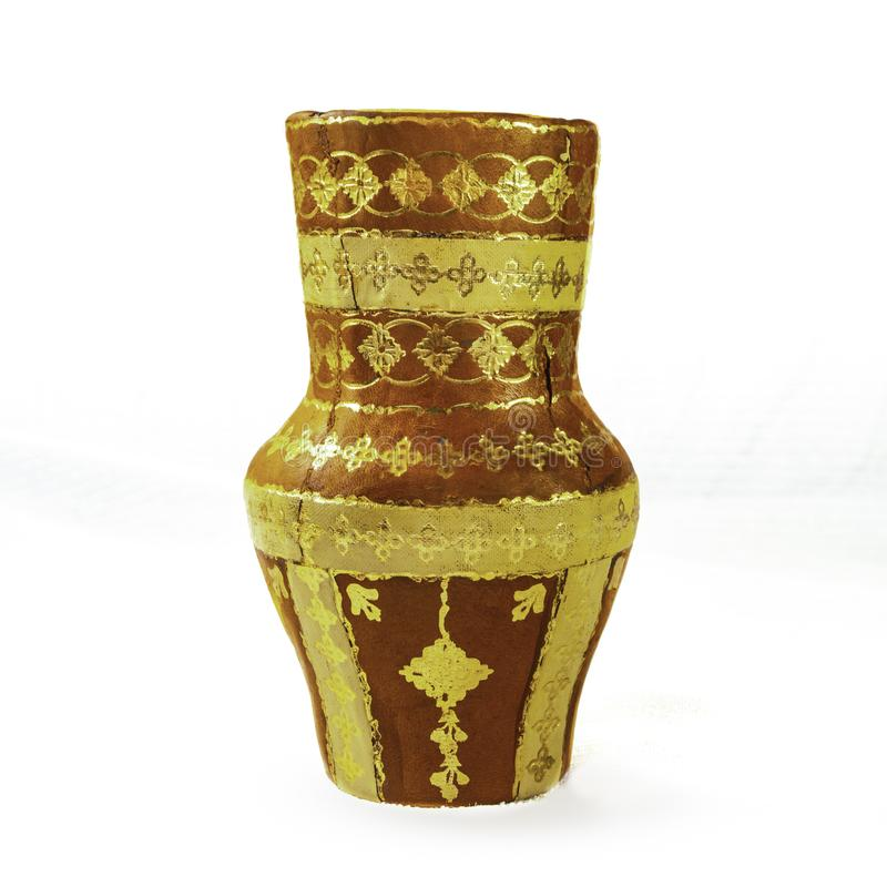 Mexicano antigo Clay Vase com acentos do ouro fotografia de stock