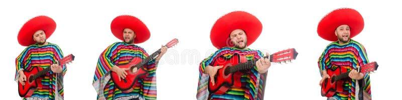Mexicano engra?ado com a guitarra isolada no branco imagem de stock royalty free