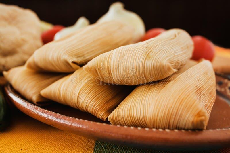 Mexicanos dei tamali, tamale messicano, alimento piccante nel Messico immagine stock libera da diritti