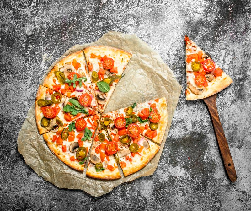 Mexicansk pizza med varma peppar arkivfoton