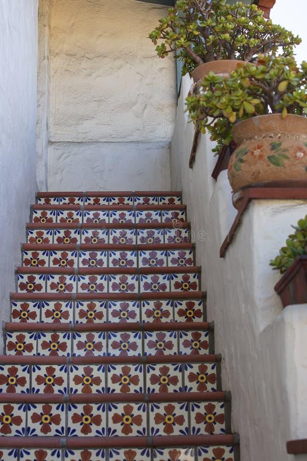 Mexicansk tegelplatta på moment i trappuppgång arkivfoton