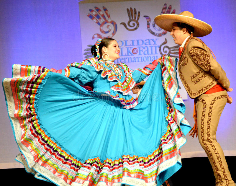 Mexicanska danspar arkivbild