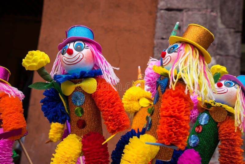 Mexicanska färgglade dockor royaltyfri foto