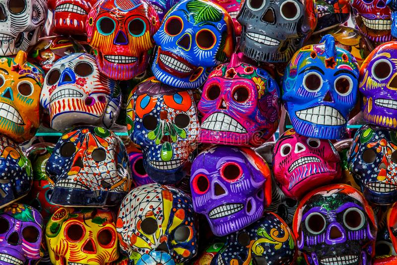 Mexicanska färgrika skallar arkivfoto
