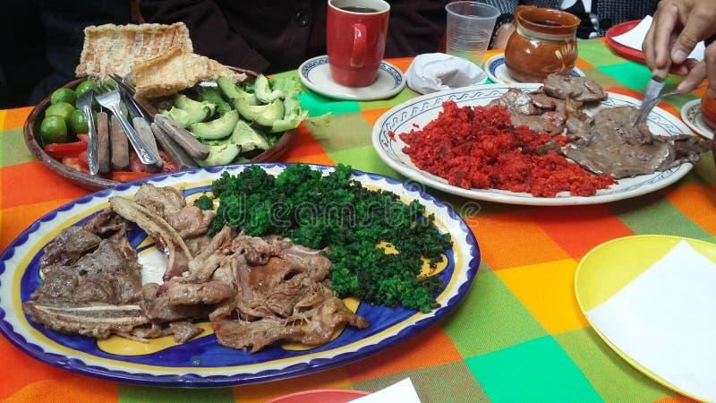 Mexicanskt matgriskött och nötkött arkivfoton