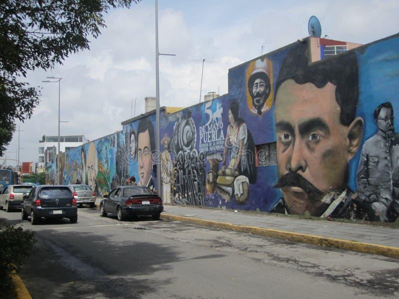 Mexico, centrum van de stad van Puebla Graffitibeelden royalty-vrije stock fotografie