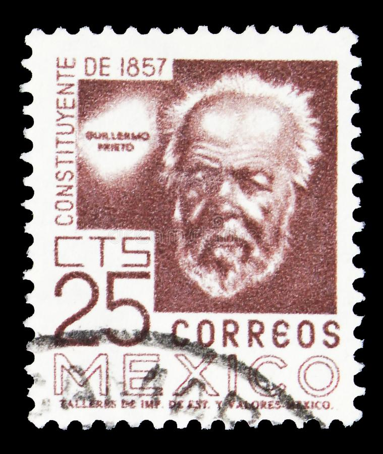 In Mexico gedrukt postzegel toont Guillermo Prieto, Grondwet uit 1857 serie, 25 ¢ - Mexicaanse centavo, circa 1963 stock fotografie