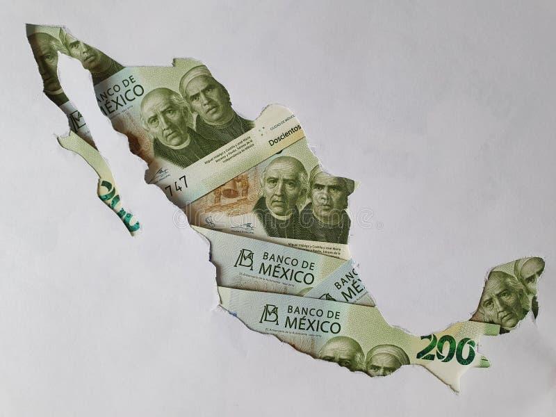 Mexico-kaart gevormd met Mexicaanse bankbiljetten van 200 pesos en witte achtergrond royalty-vrije stock afbeelding